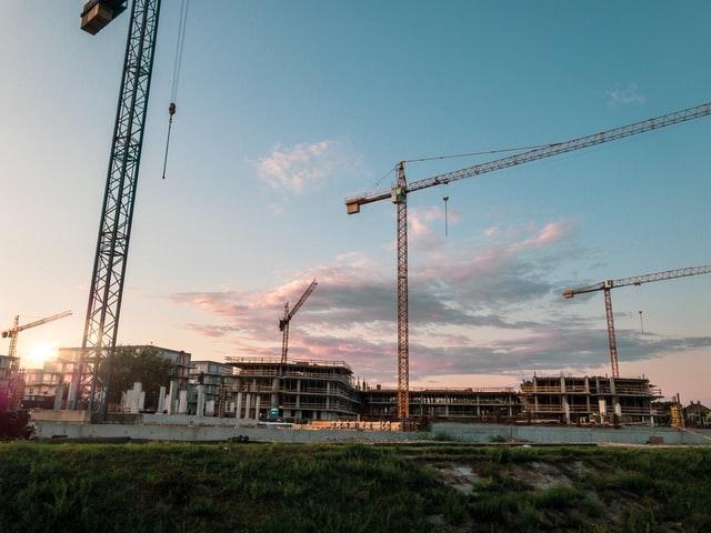 Pertimbangan apa saja ketika perusahaan kontraktor mengikuti tender proyek nasional pemerintah? indokontraktor.com